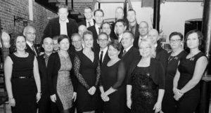 Elinar työntekijät yrityksen 20-vuotisjuhlissa